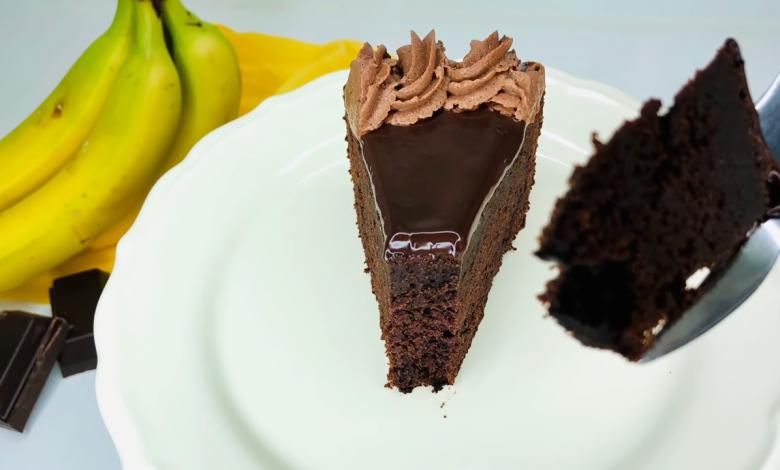 طريقة عمل كيك الموز و الكاكاو