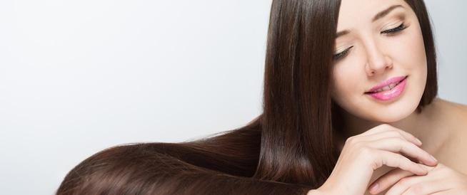 حيل لتنعيم الشعر بدون وصفات طبيعية