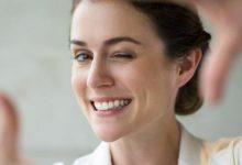 أفضل المكونات والحلول الفعّالة لإخفاء تجاعيد الفم وخطوط الابتسامة