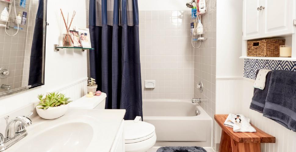 افكار وتصميمات ديكورات حمامات صغيرة والضيقة