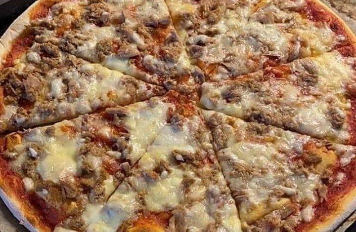 طريقه عمل بيتزا سهله وسريعه