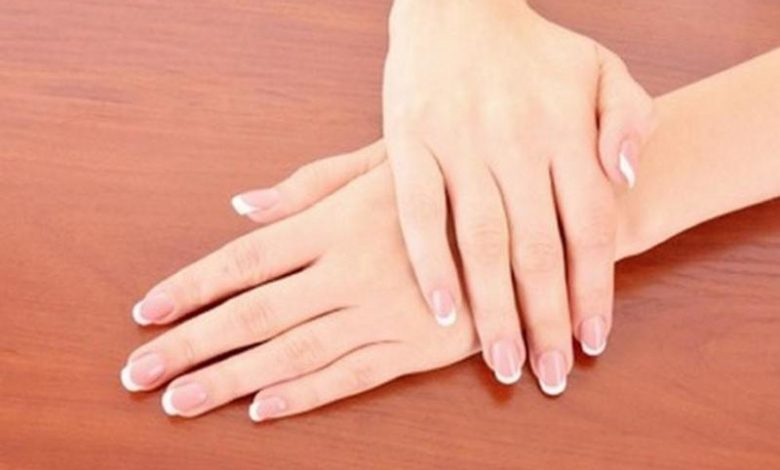 5 خلطات لتبييض اليدين سريعًا قبل المناسبات