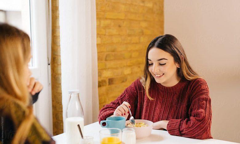 7 أطعمة تساعد على التخلص من قشرة الرأس