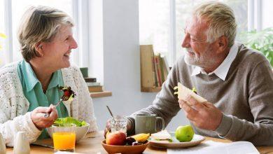 طريقة تغذية كبار السن