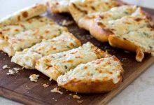 خبز التوست بالثوم والجبن