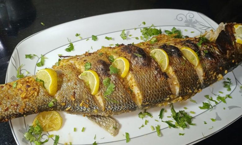 طريقة عمل السمك المشوي بالزيت والليمون