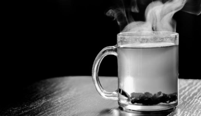 فوائد شرب الماء الساخن للتخسيس
