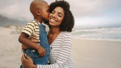 تصرفات خاطئة تدمر شخصية الطفل منذ الصغر