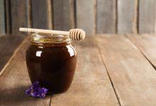 فوائد العسل الاسود والليمون