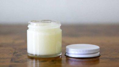 خلطة تزيل رائحة العرق بمكونات متوفرة في كل بيت