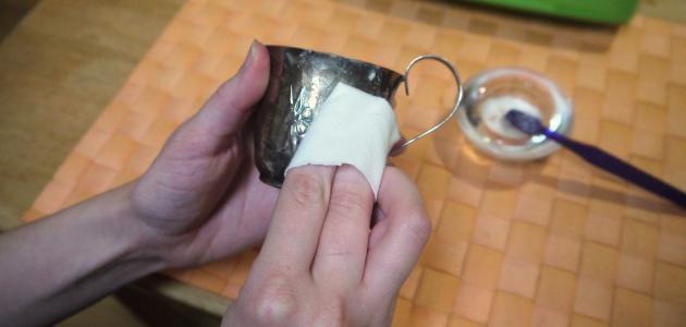 كيفية تلميع الفضة من السواد