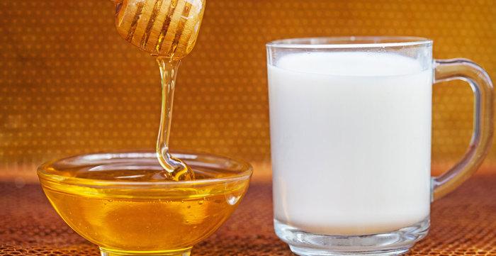ماسك الحليب والعسل لتفتيح البشرة