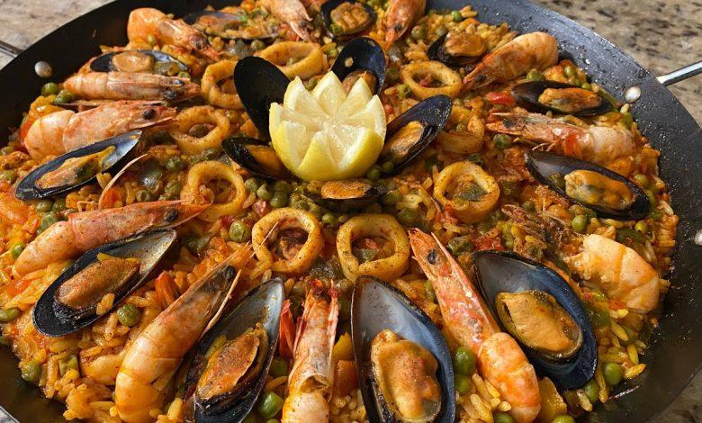 وصفة بايلا الاسبانية بفواكه البحر