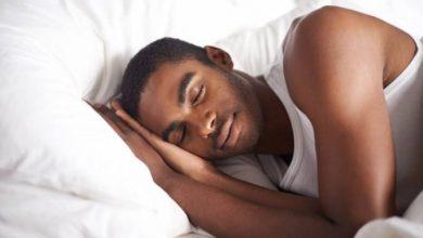 أضرار النوم على الظهر2