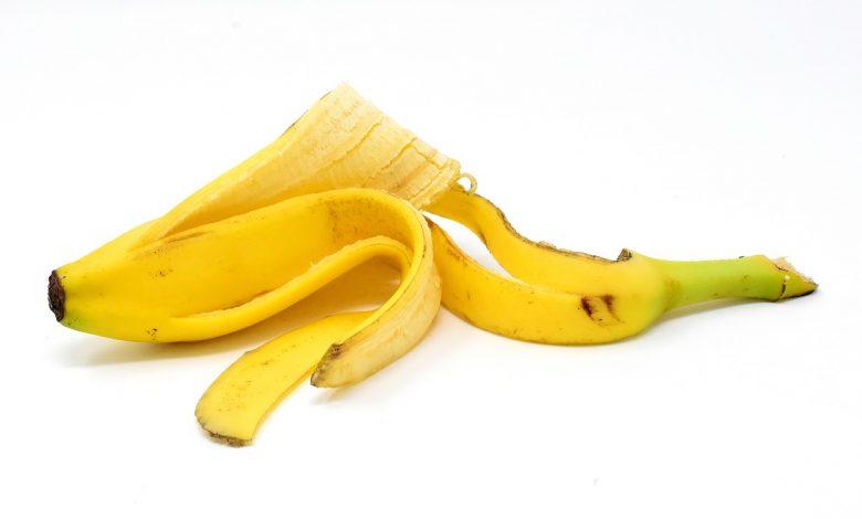 قشر الموز للشعر وكيفية استخدامه