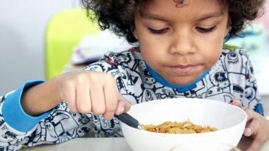 أهمية وفائدة وجبة الإفطار للأطفال
