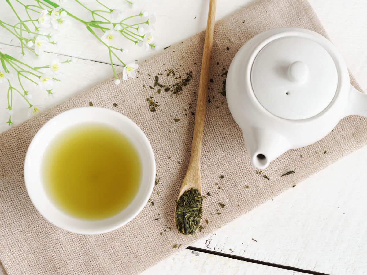 الشاي الأخضرلعلاج البقع السوداء في الوجه