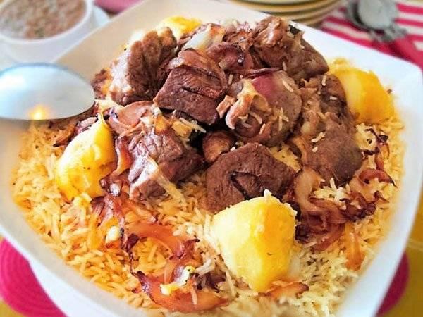 تفسير رؤية أكل الأرز واللحم المطبوخ في الحلم