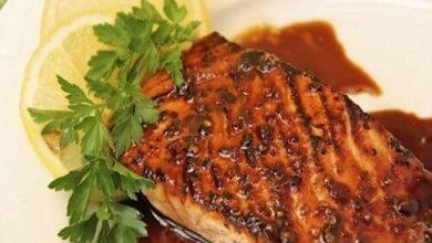 شرائح سمك السلمون المقلي