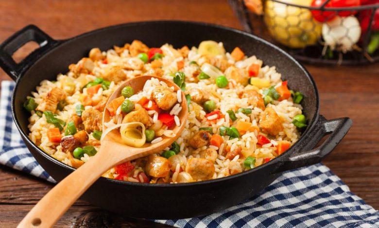 طريقة عمل أرز مفلفل بالدجاج والخضار