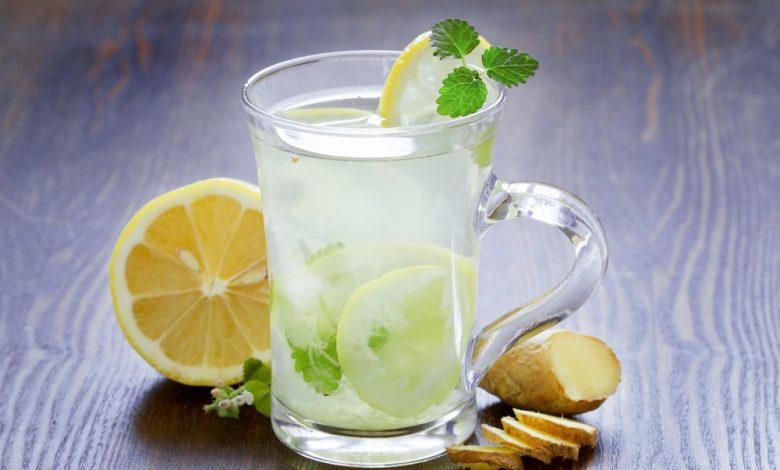 عصير الليمون بالنعناع والزنجبيل