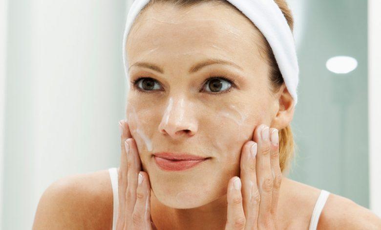 علاج البقع السوداء في الوجه طبيعياً