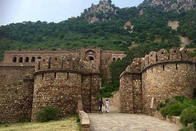 قصة قلعة بهانغار المرعبة