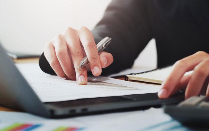 كيفية كتابة تقرير خطوة بخطوة