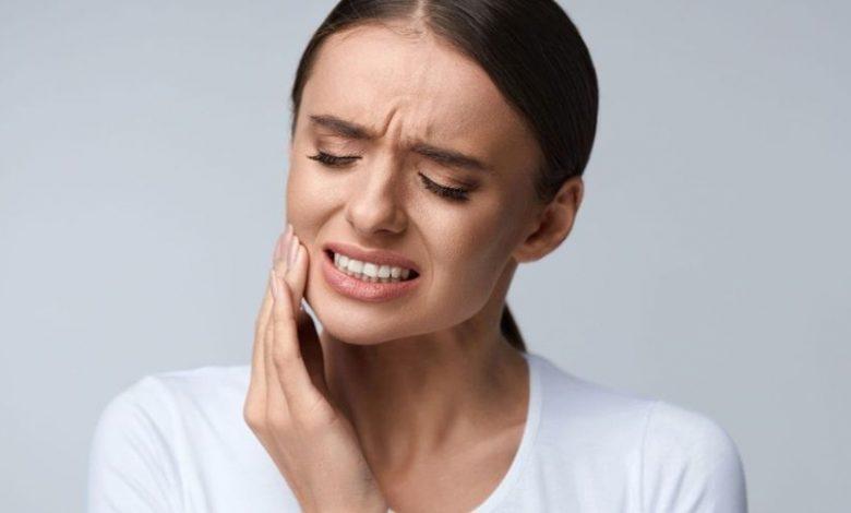 وصفات منزلية ومجربة لتخفيف ألم تسوس الأسنان