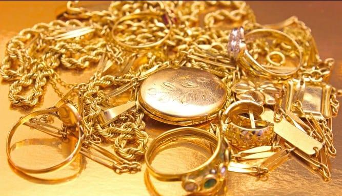 تفسير حلم بيع الذهب في المنام